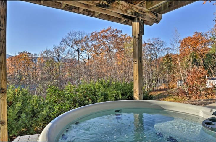 Perfect for Families, Hot Tub, View & Close2all