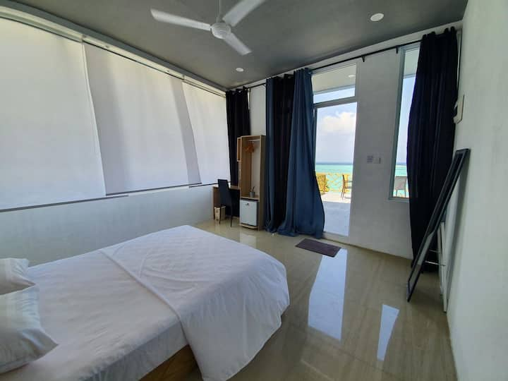 Penthouse Seaview Room