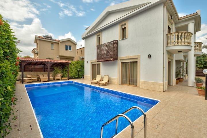 Villa Atlantida - Agios Athanasios - House