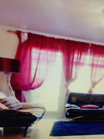 private floor in haringey house - makham - Apartament