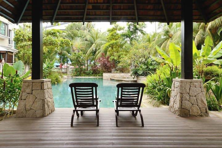 Resort Style 1 Bedroom Condo near East Coast