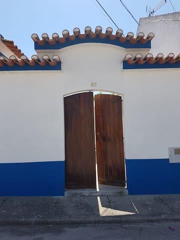 Quiet house near Santarém pool || casa rural