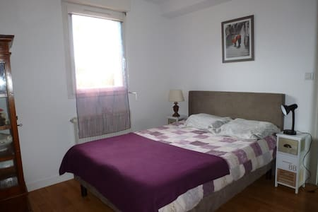 Chambre à louer Dinan ville historique - Dinan - Ev