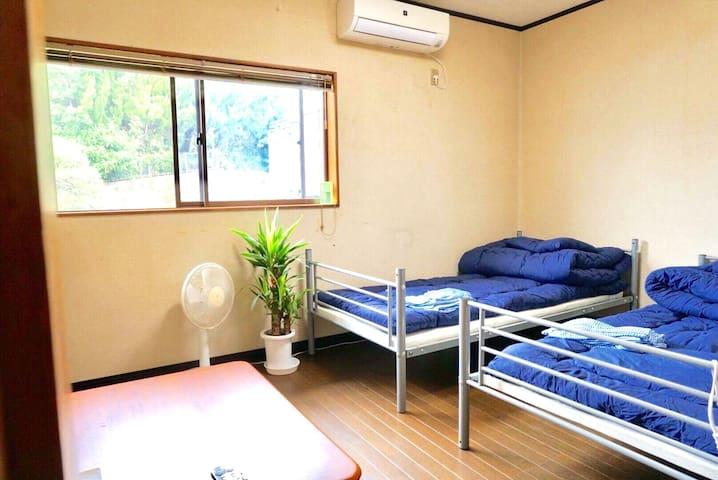 Jiro House Tau 3名まで可 洋室