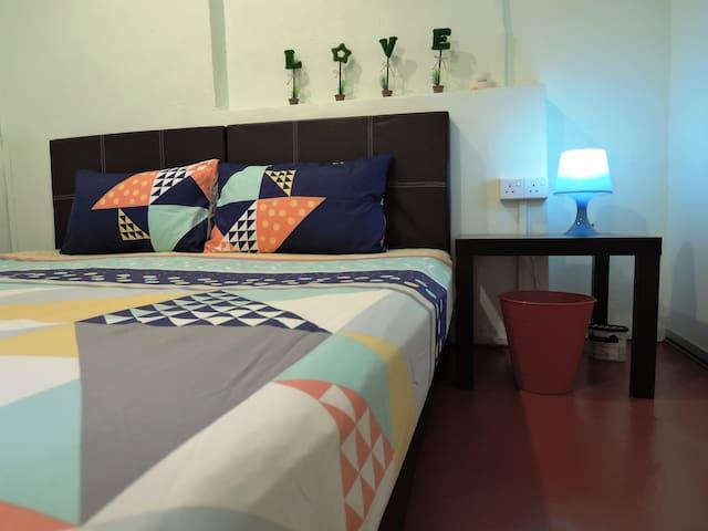 Double Bedroom @ The P!LLOHOUzzze