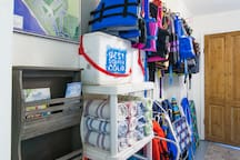 Activity Center for all your beach needs! Beach towels, ice chests, sand toys, beach chairs, umbrellas and life vests for kayaking and standup paddleboarding.
