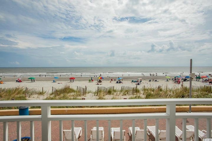 Oceanfront Unit with Private Balcony, King Bed