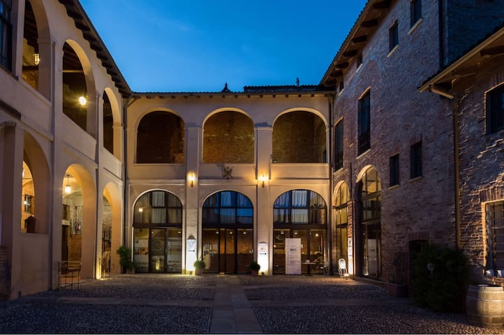 Piedmont Vacations in Monferrato Apartments Suite