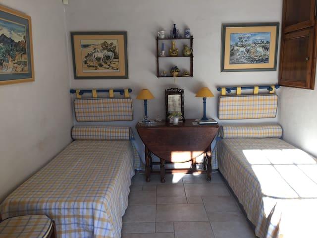 le calme d'une authenticité provençale - Néoules - Bed & Breakfast