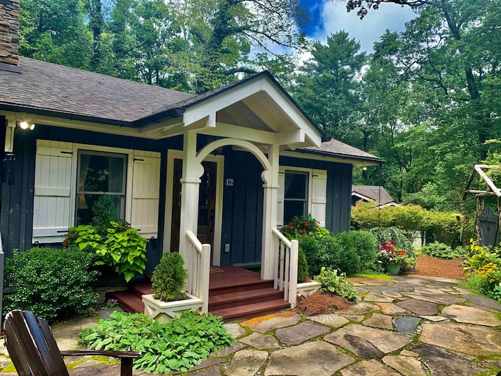 ❤️Romantic Highlands Cottage❤️Trail Access to Town!