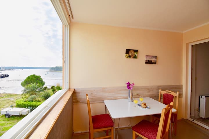 Lovely SEA VIEW apartment near the playground