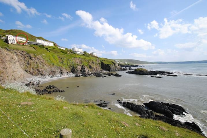 Seacroft holiday home with sea views - Mortehoe - Gjestehus