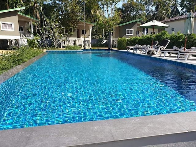 2 beedroom house with shared swiming pool