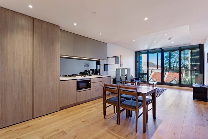 Corporate Modern 1BR apartment - North Sydney