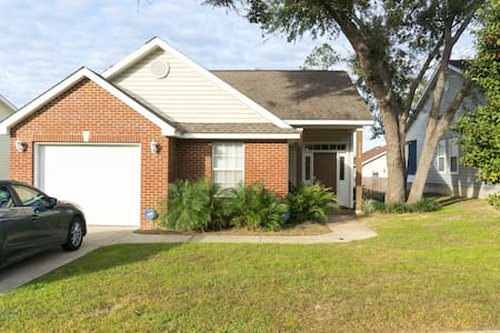 Complete Single Family Home, Close to everything - Tallahassee - Casa