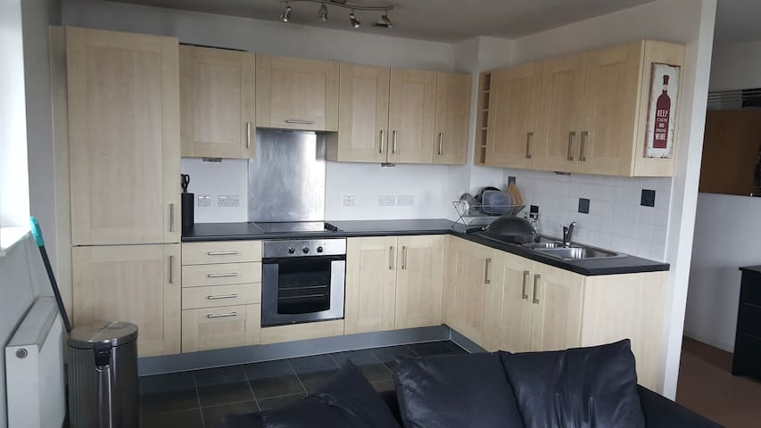 Stylish 2 Bed Apartment, with Balcony Manchester