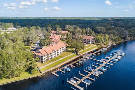 Waterfront Condo on the St Johns River!