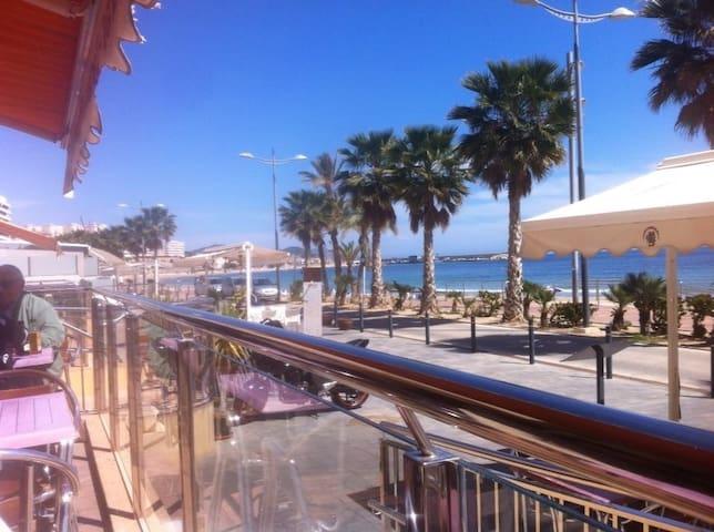 Casa Amarila  2 mins walk  beach, private terrace.