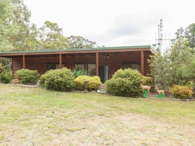 Marrangaroo Log Cabin New South Wales