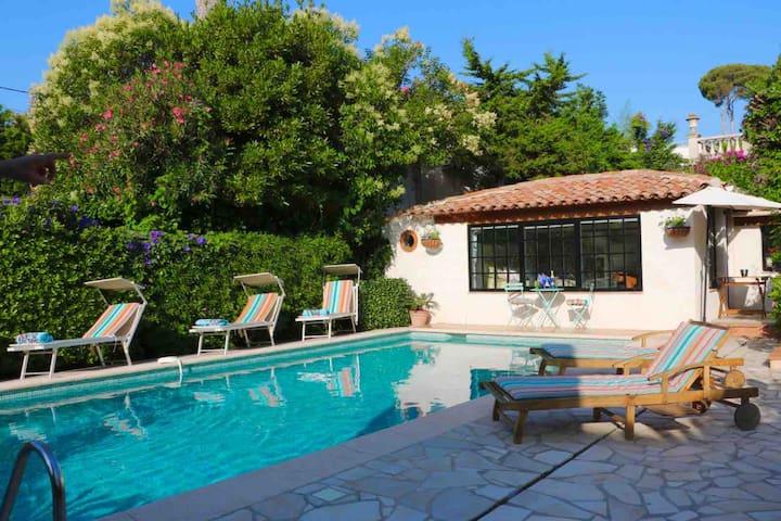 Cap d'Antibes Maisonette mit privatem Pool