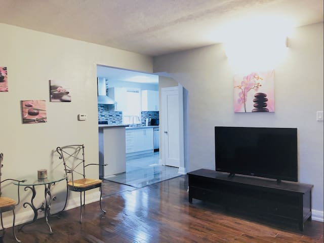Downtown Kitchener! RENOVATED MODERN & SWEET HOUSE