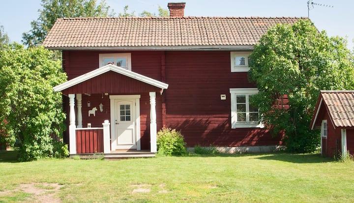 Dalastuga in picturesque village close to Leksand