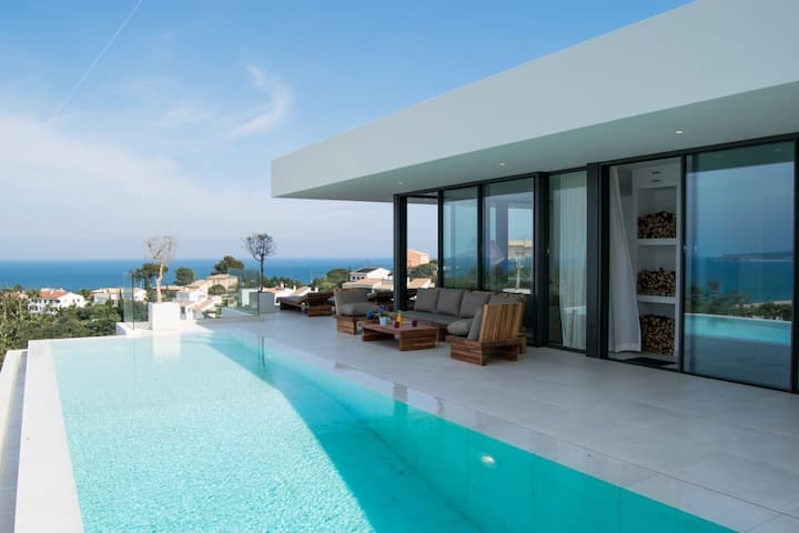Villa with spectacular sea views. Begur.