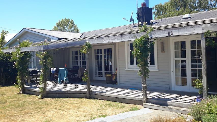 4bdrm home close to Mission Winery & Art Deco city - Napier - House