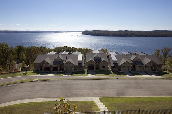 Luxury Townhome - Exclusive Resort - Pickwick Lake