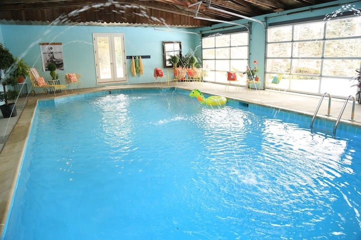 Book your staycation -INDOOR POOL! This weekend !
