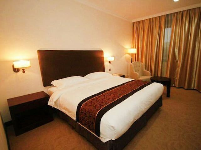 STUDIO APARTMENT WITH HOTEL SERVICE - Batam - Bed & Breakfast
