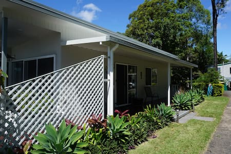 Gold Coast Queensland - Bayarts Cottage