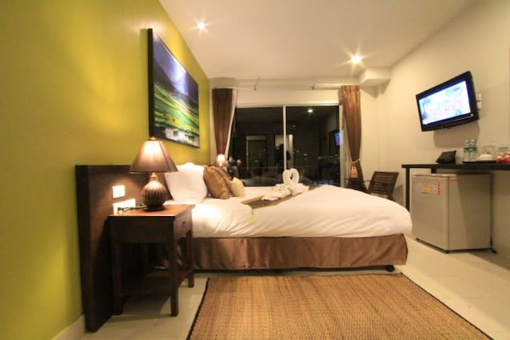 The Guide Hostel B&B - Phuket - Bed & Breakfast