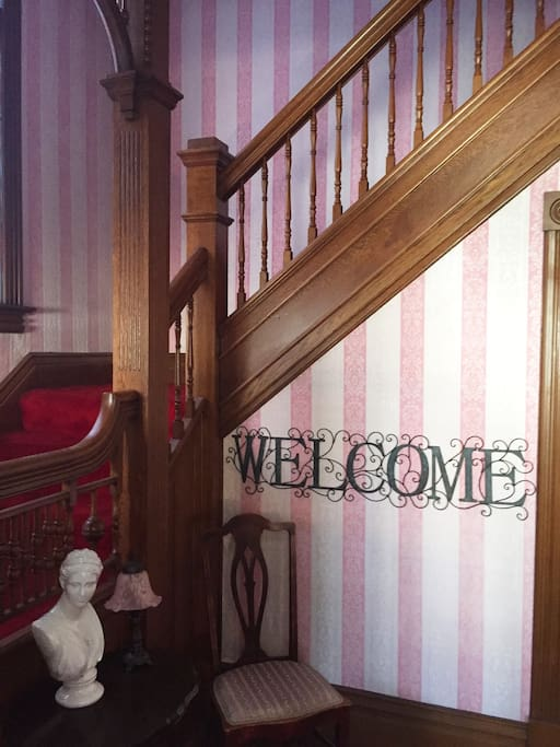 We Welcome you to come stay with us!