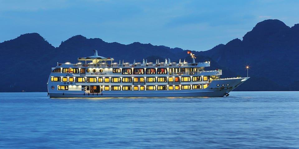 Starlight Cruise Ha Long Bay - Thành phố Hạ Long - เรือ
