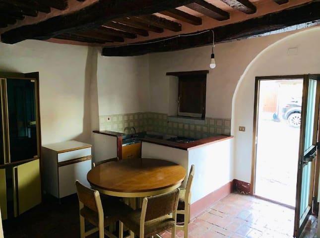 Cottage in legno e pietra nel cuore della Toscana