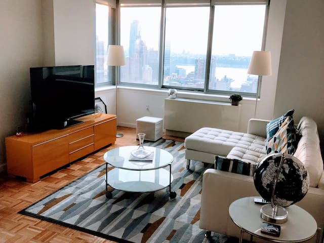 Cosy & chic room in luxury hi-rise at Times Square