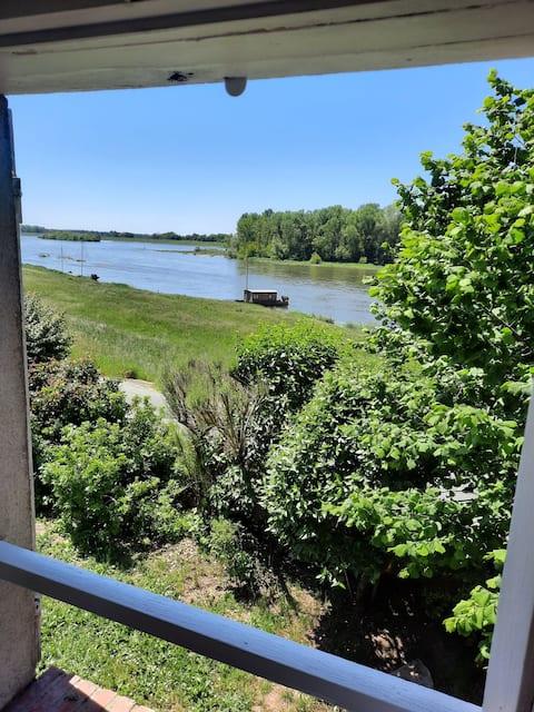 Maison et jardin en bord de Loire/River house