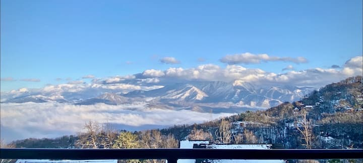 Unreal Mt. Leconte Views/Gatlinburg Condo/Hot Tub