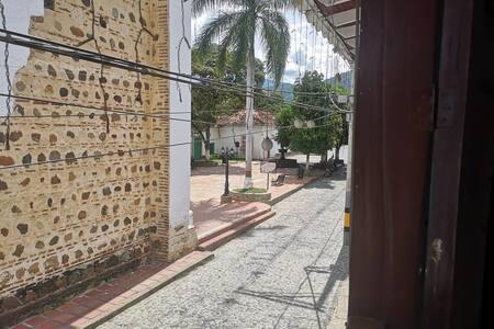apartamento en zona colonial Sta fe de Ant*