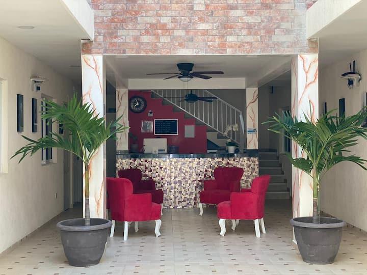 Hotel ubicado en el centro de Cancún a buen precio
