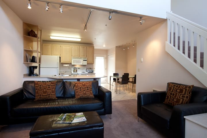 Cake -A little slice of heaven! This condo is just the spot to sweeten your trip