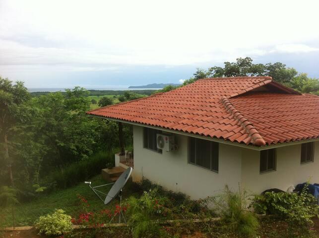 Hilltop Ocean Monkey Casita Venao/Canas Area *4G* - Cañas - House