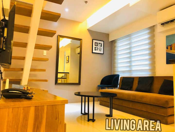 1 Fort Victoria BGC, 2BR Max of 6 Loft unit