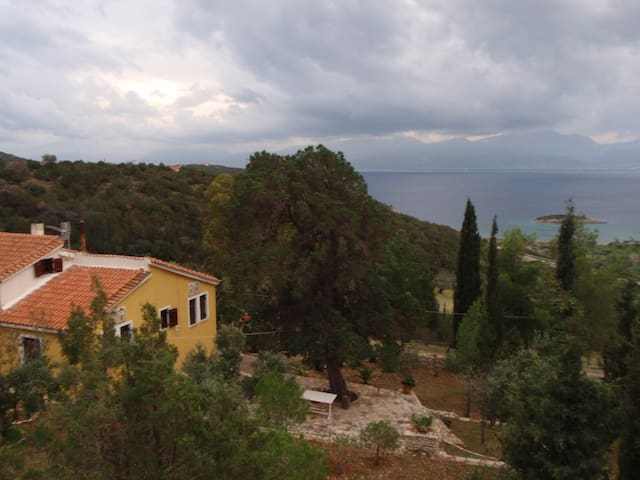 The view of Korinthiakos