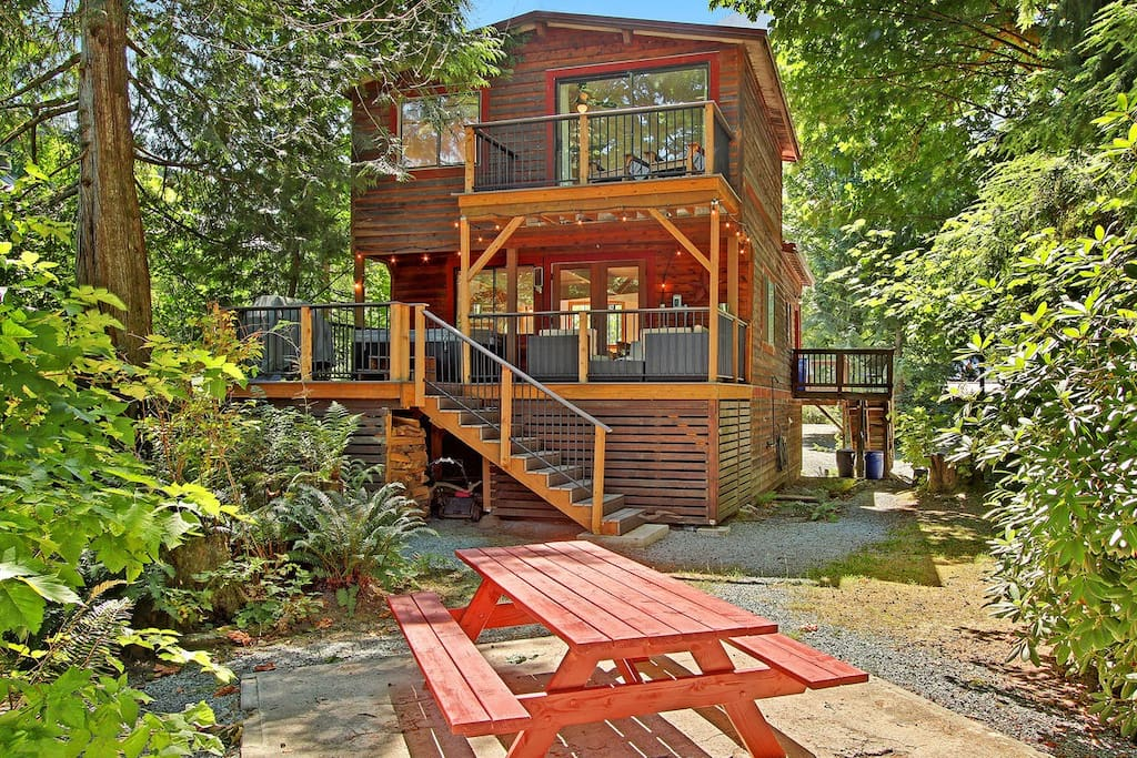 Log Cabin With Hot Tub And Games Room