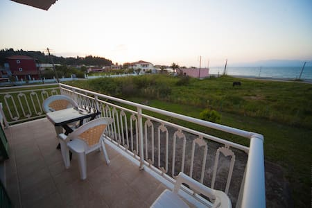 APARTMENTS ON THE BEACH - SIDARI, CORFU - Sidari - Apartment