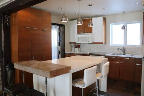 Maison confortable en banlieue de Montréal