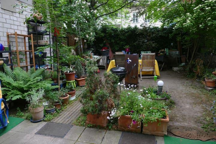 Komfortwohnung in Bonn City mit Garten