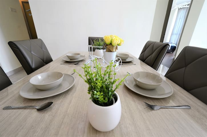 【Holiday Home】above Setapak Central Mall | 3-10PAX